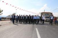GÖKÇELER - Akhisar'da 10 Mahallenin Yol Sorunu Çözüldü