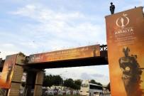 FESTIVAL - Altın Portakal'ın Simgesi Venüs Heykelleri Yerlerini Aldı