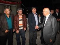 YÜZME HAVUZU - Başkan Yaşar, Çamlıderelileri Ziyaret Etti