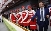 REKOR DENEMESİ - İstanbul'da 'Dünyanın En Uzun Çiğ Köfte Dürümü Rekoru' 231 Metreyle Kırıldı
