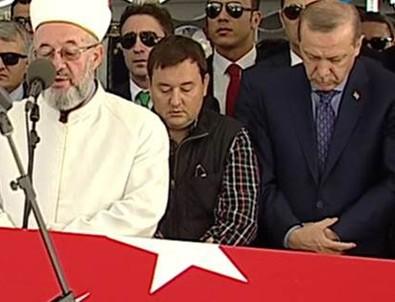 Maliye Eski BakanıKemal Unakıtan son yolculuğuna uğurlandı