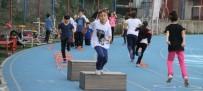 BEDEN EĞİTİMİ ÖĞRETMENİ - Yayla Ortaokulu Öğrencilerine Atletizm Seçmeleri Yaptı