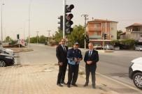 ZABITA MÜDÜRÜ - Başkan Acar, Trafik Işığı Monte Edilen Kavşakta İncelemelerde Bulundu