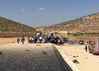 SÜRGÜCÜ - Mardin'de Askeri Aracın Geçişinde Patlama Açıklaması 3 Şehit, 3 Yaralı