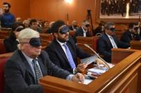 GÖRME ENGELLİ - Meclis Toplantısına Gözleri Kapalı Ve Ellerinde Beyaz Bastonla Katıldılar