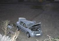 Otomobil Tarlaya Uçtu Açıklaması 4 Yaralı