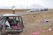 DEMIRCILIK - Otomobille Kamyonet Çarpıştı Açıklaması 1 Ölü, 1'İ Ağır 5 Yaralı