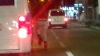 MİNİBÜS ŞOFÖRÜ - Patenli Çocuğun 130 Kilometre Hızda Tehlikeli Yolculuğu...(ÖZEL HABER)