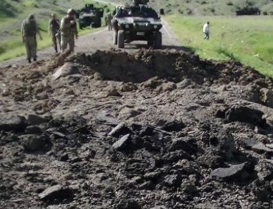 Hakkari ve Van'da askere saldırı: 12 yaralı