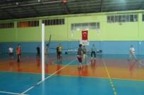 VOLEYBOL MAÇI - Silopi'de Sağlık Çalışanlarından Voleybol Maçı