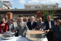 ÖĞRENCİ YURTLARI - Tunceli Belediyesi'nden 5 Bin Kişiye Aşure Dağıtımı