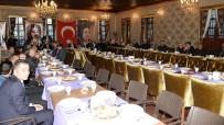 ERZURUM VALISI - Vali Azizoğlu, Müceldili Konağında Düzenlenen Muharrem İftarına Katıldı