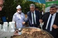 ŞEKER FABRİKASI - Yeşilyurt Belediyesi'nden Cami Cemaatine Aşure İkramı