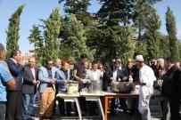 HACI BAYRAM-I VELİ - Ankaralılar Hacı Bayram'da Aşure Dağıttı