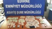 SANAYİ SİTESİ - Çaldıkları Para Ve Yiyeceklerle Yakalandılar