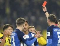 BORUSSIA DORTMUND - Rakibini iten Emre Mor, kırmızı kartla oyundan atıldı