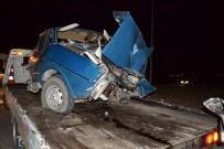 SOMA - Manisa'da İki Araç Kafa Kafaya Çarpıştı Açıklaması 1 Ölü, 2 Yaralı