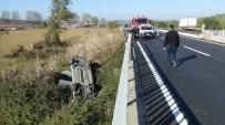 ÜNAL YıLMAZ - Otomobil Şarampole Devrildi Açıklaması 1 Ölü, 2 Yaralı