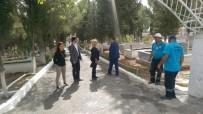 YOĞUN MESAİ - Sarıgöl'ün Mezarlıklarında Eksiklikler Gideriliyor