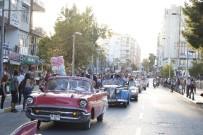 CUMHURİYET MEYDANI - Uluslararası Antalya Film Festivali, Kortej Geçişiyle Başladı