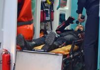 HAMIDIYE - Yunus Ekibine Otomobil Çarptı Açıklaması 1'İ Ağır 2 Polis Yaralı