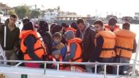 KAÇAK GÖÇMEN - Ayvacık'ta 48 Kaçak Göçmen Yakalandı