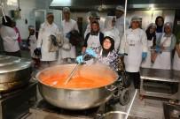 BAĞCıLAR BELEDIYESI - Engelli Aşçılar Dev Kazanda Yemek Yaptı