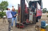 KÖY MUHTARI - Taştepe Köyünde Su Arama Çalışmaları