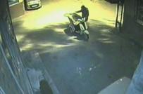 BEDENSEL ENGELLİ - Vicdansız Hırsız Engelli Motorunu Çaldı