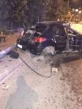ACIL SERVIS - Direksiyon Hakimiyetini Kaybeden Otomobil Çöp Konteynerine Çarptı Açıklaması 1 Yaralı