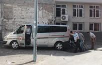 YAKIT DEPOSU - Hakimin aracına ses bombalı saldırı