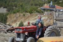 ARAÇ KULLANMAK - Tosyalı Kadınların Traktör Marifeti