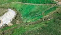 KÜLTÜR SANAT - Rekreasyon Alanının Yamaçları Çimlendirme Yerine Yeşile Boyandı