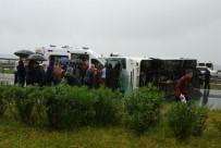 YOLCU MİDİBÜSÜ - Rize'de Yolcu Midibüsü Devrildi Açıklaması 27 Yaralı