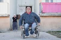 ENGELLİ ASANSÖRÜ - Yarım Asırdır Tekerlekli Sandalyeye Mahkum Yaşıyor
