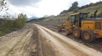 YOL ÇALIŞMASI - Başiskele'de Yeni Ve Güvenli Yollar İnşa Ediliyor