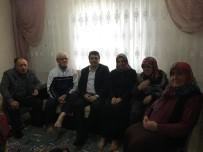 PEYGAMBER - Başkan Yakar'dan Şehit Ailesine Ziyaret