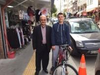 CAMİİ - Camiye En Çok Gelen Öğrencisine Bisiklet Hediye Etti