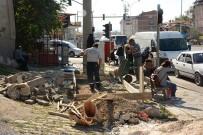 OTOBÜS DURAĞI - Dinar Belediyesi Otobüs Durağı Yapımına Başladı