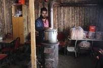 YAKIT TÜKETİMİ - Erzurum'da Soba Ve Kaloriferler Yanmaya Başladı