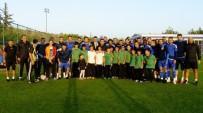 FUTBOL TAKIMI - GKV'li Futbolculardan Büyükşehir Gaziantep Spora Ziyaret