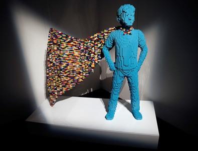 Legodan yapılmış kahramanlar Madrid'de