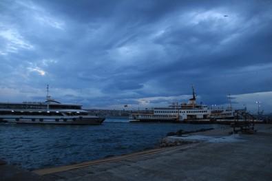 Marmara'da ulaşıma lodos engeli