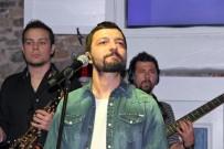 İSMAIL ALTıNDAĞ - Mehmet Erdem Yelkenciler İçin Sahne Aldı