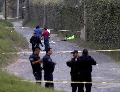 Meksika'da elleri kesilmiş halde 6 kişi ve bir ceset bulundu
