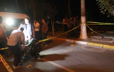 Mersin'de polise silahlı saldırı: 2'si polis 3 yaralı