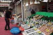 KARAKÖY - Rüzgar, Yağmur Ve Fırtına Balık Fiyatlarını Etkilemedi