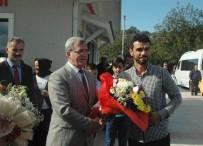 MOTOSİKLETÇİ - Şampiyon mehter marşıyla karşılandı