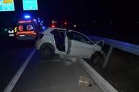 Seydişehir'de Otomobil Bariyerlere Çarptı Açıklaması 3 Yaralı