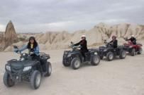 BİSİKLET - Turistler Kapadokya'yı ATV Turları İle Keşfediyor